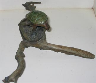 Anguilla sculputure - turtle