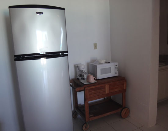 appliances in a rendezvous bay hotel room