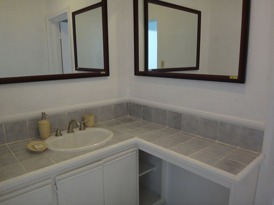 separate vanity in rendezvous bay hotel