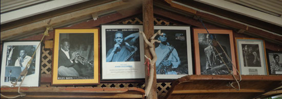 Anguilla restaurant, Johnno's, live music