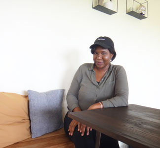 tea box lounge owner denecia niles