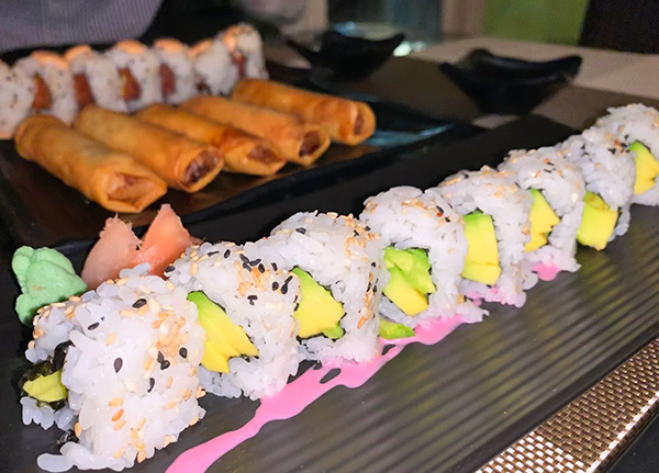 Avocado Roll at Oishi
