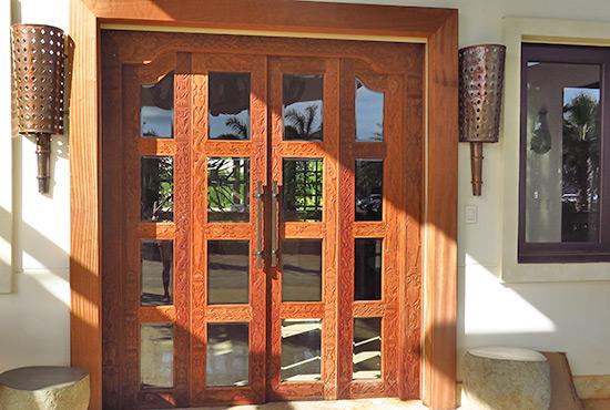 balinese door at welcome area