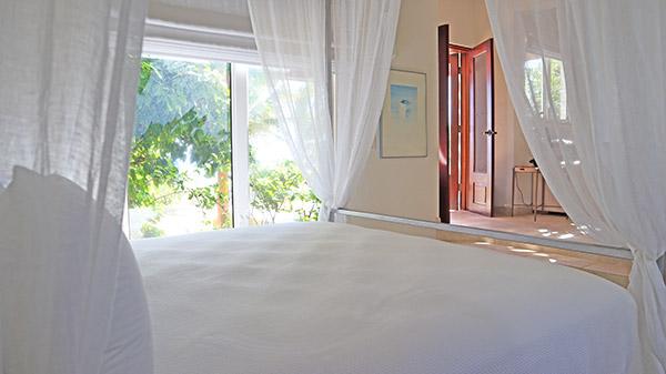 Beach Escape Villa beachfront master suite