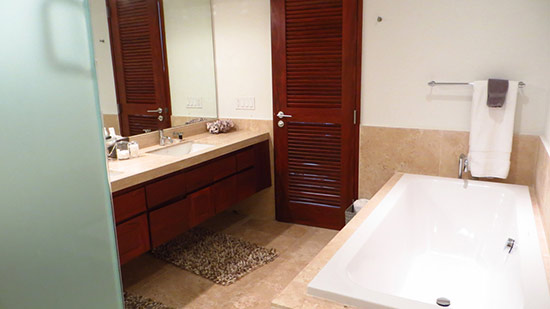 beaches edge master bathroom