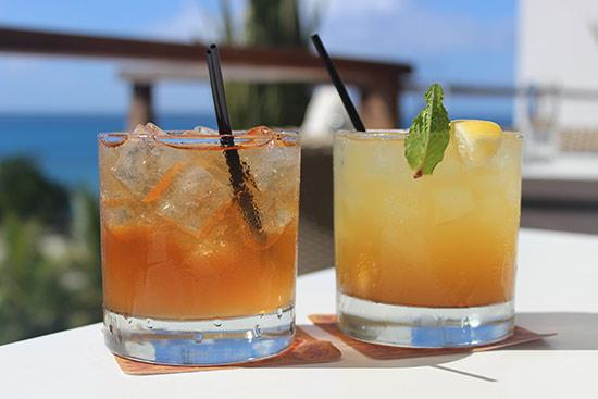 cocktails at blue bar