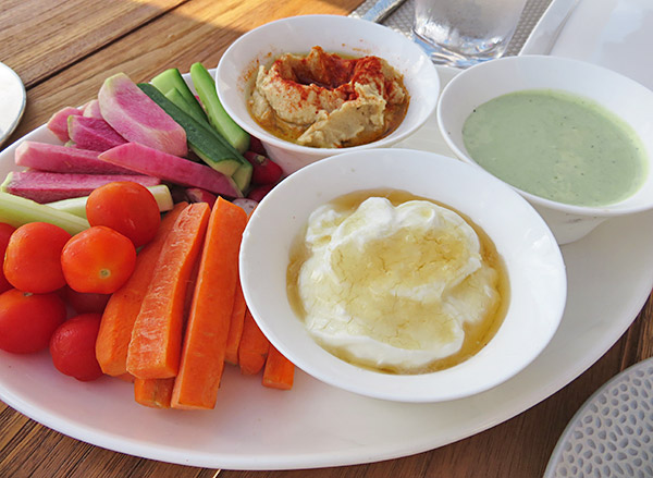 mezze platter of dips at breezes
