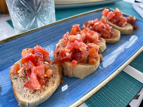 Bruschetta Classica at Sale & Pepe