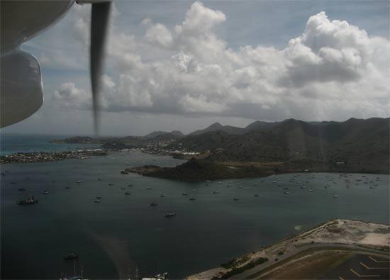 caribbean island st. maarten airport