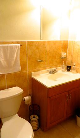 casa hughes apartment bathroom