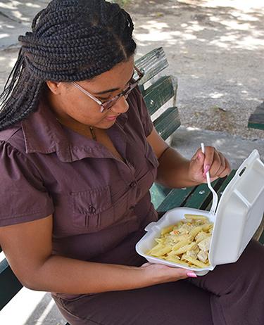 cassie enjoying her chicken pasta from hungrys