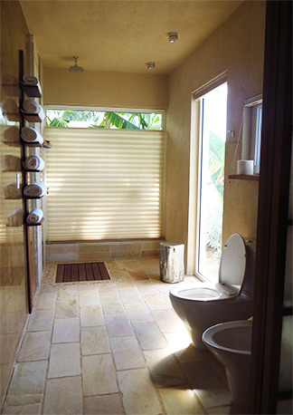 hotel ceblue bathroom