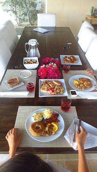 breakfast at CéBlue