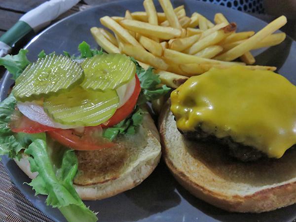 7 oz. hamburger by ben