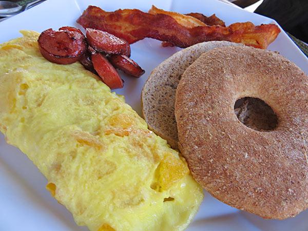 chef kylon omelet breakfast at bird of paradise villa