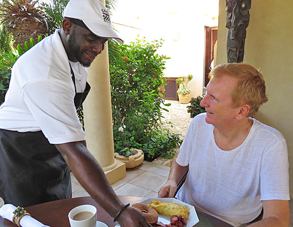 chef kylon serving breakfast at bird of paradise villa