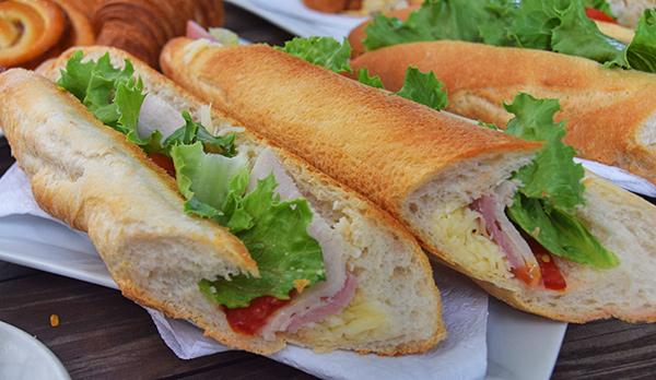 turkey, ham and swiss cheese sandwich le bon pain