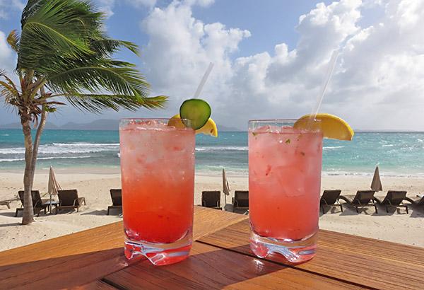 cocktails at breezes