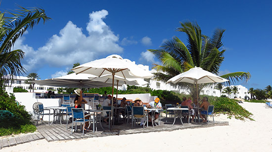 the beach bar restaurant at cuisinart