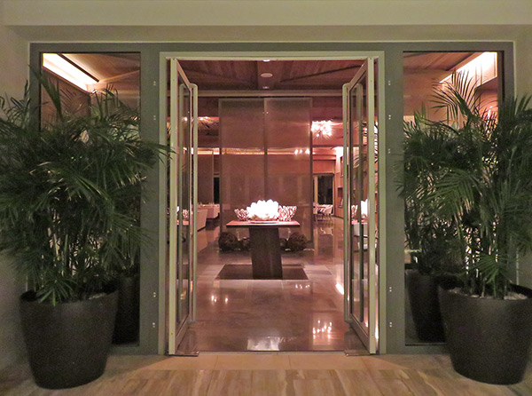 entrance to four seasons coba