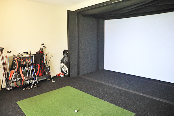 golf simulator at nevaeh