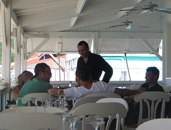 guests dining at ocean 82