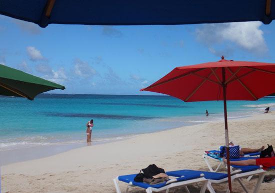 gwens reggae grill beach umbrellas