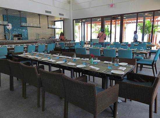 inside zemi beach 20 knots restaurant
