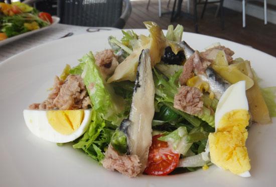 salad nicoise at la villa in sandy ground