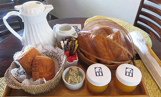 breakfast at l'espalande