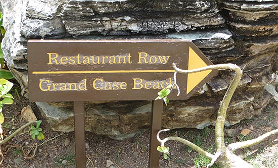 signs to grand case