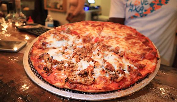 Half Pepperoni & Half Chicken Pizza