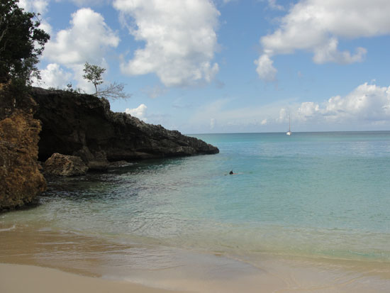Anguilla beaches, Little Bay, Calvin, boat