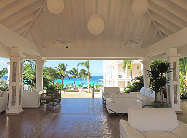 lobby view from manoah boutique hotel