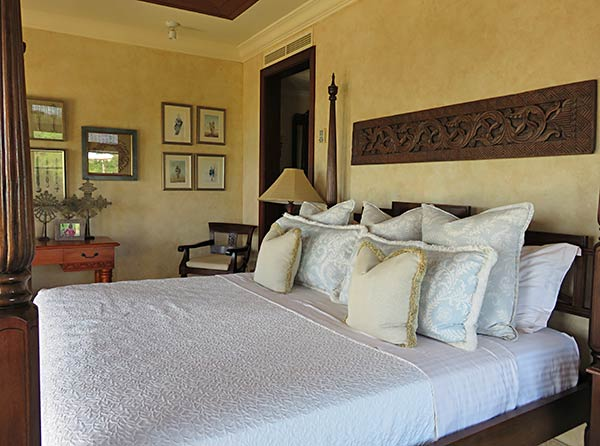 bird of paradise villa lower master suite