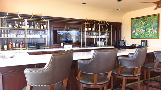 the bar at malliouhana