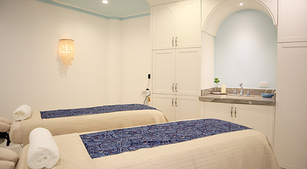 couples massage area