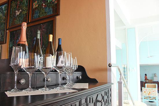 wine tasting display malliouhana