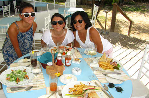 lunch at mango's