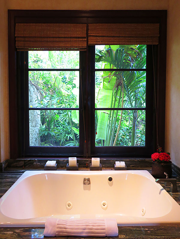 master suite tub at bird of paradise villa