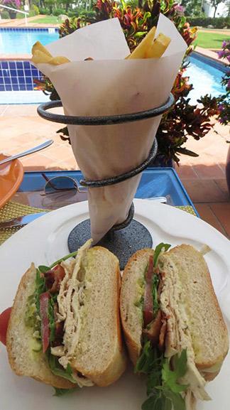 chicken sandwich at cafe med