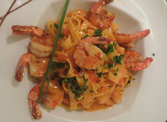 shrimp pasta at bistrot caraibes