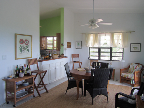 private rental home dining area
