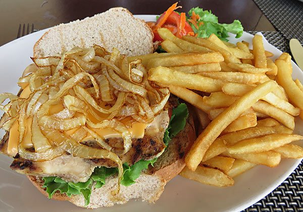 the chicken sandwich for lunch at romneys