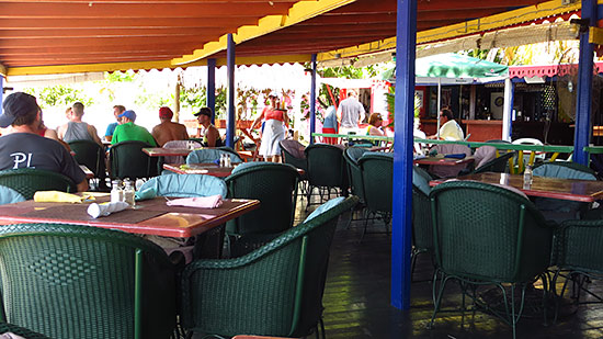 roys bayside grill dining room