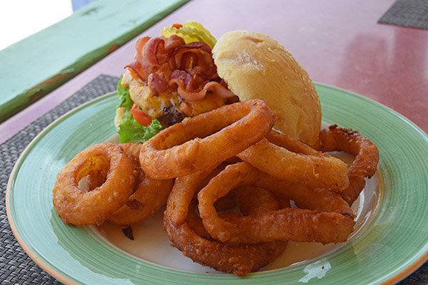 roys burger with onion rings