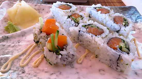 salmon cucumber roll