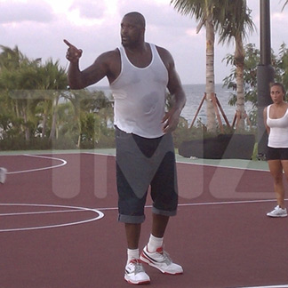 Celebrities In Anguilla 2012 on Blowing Point Anguilla Beaches