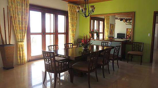 the dining room in sheriva