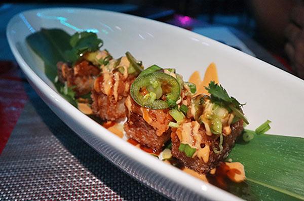 Spicy tuna roll at IWASATTHEBAR